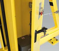 Napęd umieszczony w słupie zabezpieczony jest przed uszkodzeniami mechanicznymi, negatywnym wpływem warunków atmosferycznych oraz dostępem niepowołanych osób.